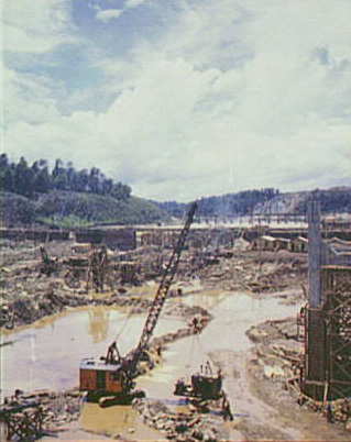 A dam being built, thanks to the Tennessee Valley Authority, in 1942